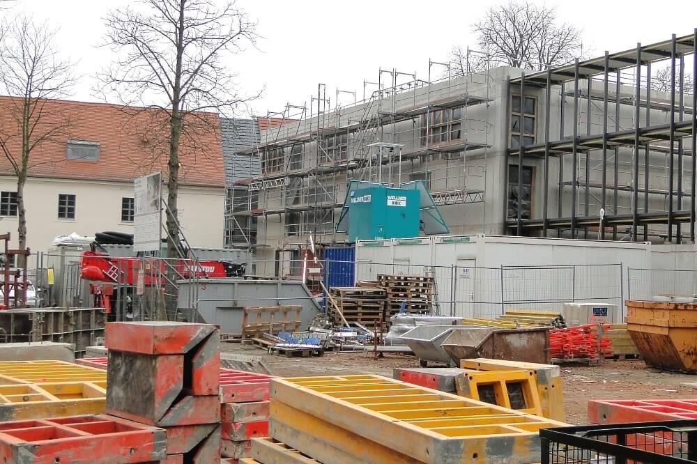 Der Neue Südflügel Der Schlosskirche Wittenberg - Überwachung Von Rohbau Und Lagerflächen