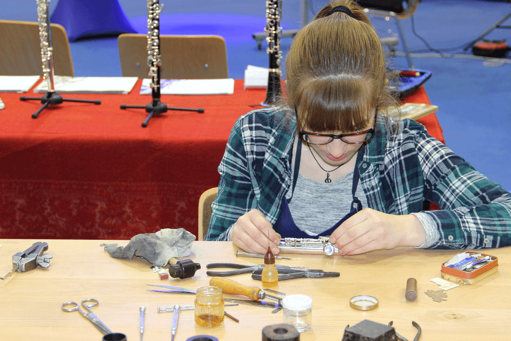 MItteldeutsche Handwerksmesse - Beruf Instrumentenbauer: Präzision Ist Gefragt